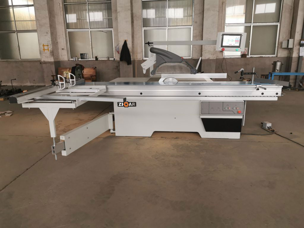 Sliding table saw MJ6132YIIICNC